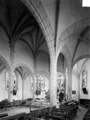 Eglise Notre-Dame - Vue intérieure du déambulatoire côté sud et du choeur, vers le nord-est