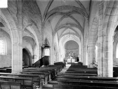 Eglise Saint-Christophe - Vue intérieure de la nef vers le choeur