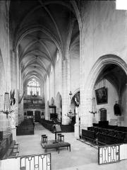 Eglise - Vue intérieure de la nef vers le nord-ouest