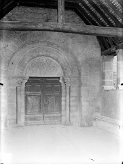 Eglise Saint-Nicolas - Portail de la façade ouest, sous le porche