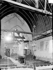 Eglise Saint-Léger - Vue intérieure de la nef vers le nord-ouest
