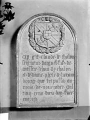 Eglise des Cordeliers - Inscription funéraire de Claude de Chalon