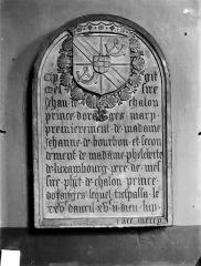 Eglise des Cordeliers - Inscription funéraire de Jean de Chalon