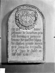 Eglise des Cordeliers - Inscription funéraire de Jeanne de Bourbon