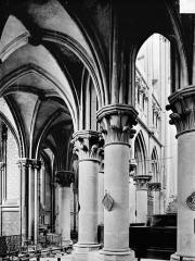 Eglise (collégiale) Notre-Dame - Vue intérieure du déambulatoire