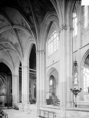 Eglise Saint-Pierre - Vue intérieure du déambulatoire