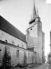 Eglise Notre-Dame - Façade nord en perspective : Clocher
