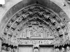 Eglise Notre-Dame - Portail de la façade nord, tympan, linteau et voussures : Le Couronnement de la Vierge et scènes de la vie de la Vierge