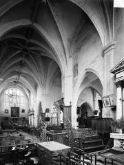 Eglise Notre-Dame - Vue intérieure du transept, vers le nord-est