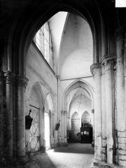 Eglise Notre-Dame - Vue intérieure de l'avant-nef, vers le nord-ouest