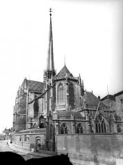 Cathédrale Saint-Bénigne - Ensemble est. Flèche en cours de construction