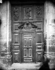 Eglise Saint-Michel - Portail sud de la façade ouest : Porte