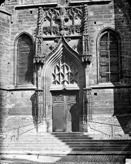 Eglise Saint-Michel - Portail de la façade sud