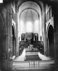 Eglise Saint-Andoche - Vue intérieure du choeur