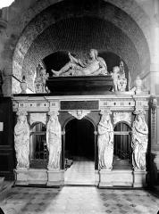 Eglise Saint-Thomas de Cantorbéry - Tombeau en marbre de Henri II de Bourbon, prince de Condé, mort en 1646