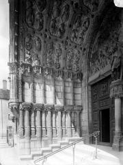 Eglise Saint-Michel - Portail central de la façade ouest : Ebrasement gauche