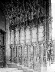 Eglise Saint-Michel - Portail nord de la façade ouest : Ebrasement droit