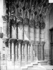 Eglise Saint-Michel - Portail nord de la façade ouest : Ebrasement gauche