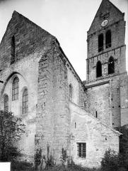 Eglise Saint-Etienne - Angle nord-est : Abside et clocher