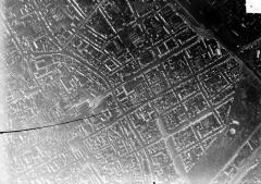 Cathédrale Notre-Dame - Vue aérienne du quartier de la cathédrale : Vue verticale