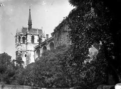 Château - Chapelle Saint-Hubert et enceinte, prises en contrebas