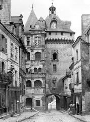 Hôtel de ville et Porte Picoys - Façade intra-muros