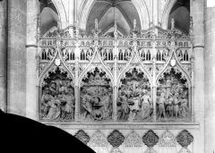 Cathédrale Notre-Dame - Clôture du choeur, côté nord. Haut-relief : Histoire saint Jean-Baptiste (scènes de son martyre)