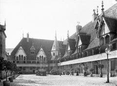 Hôtel-Dieu ou Hospices civils de Beaune - Cour intérieure