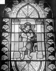 Eglise Saint-Martin - Vitrail de la nef, côté sud : Le Christ à la colonne