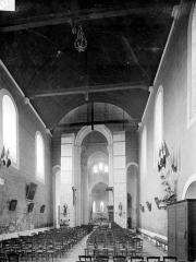 Collégiale Saint-Germain - Vue intérieure de la nef vers le choeur