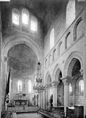 Collégiale Saint-Germain - Vue intérieure du choeur, vers le sud-est