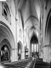 Eglise Saint-Martin - Vue intérieure de la nef vers le nord-est