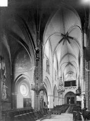 Eglise Saint-Martin - Vue intérieure de la nef vers le sud-ouest