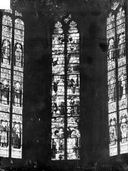 Eglise Saint-Martin - Vitraux du choeur : Scènes de la vie de saint Martin