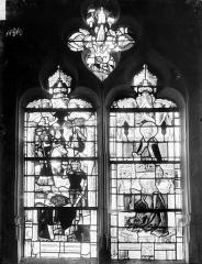 Eglise Saint-Pierre et Saint-Paul - Vitrail du choeur : Néron et sa suite (supposé), Un évêque et la Vierge