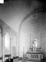 Eglise Saint-Pierre - Vue intérieure du choeur, vers le nord-est