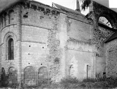 Eglise Saint-Michel (du prieuré Saint-Michel) - Abside, côté nord, et restes d'absidiole