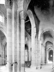 Eglise Saint-Genès (anciennement église prieurale Saint-Etienne) - Bas-côté sud et nef