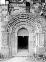 Eglise Saint-Genès (anciennement église prieurale Saint-Etienne) - Portail sud