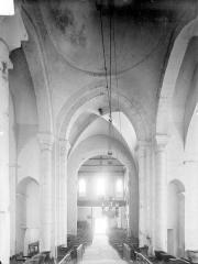 Eglise de Puy-Ferrand - Nef, vue depuis le choeur