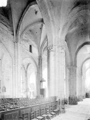 Eglise Saint-Etienne (collégiale) - Bas-côté nord et nef