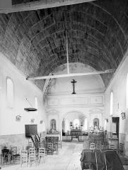 Eglise Saint-Laurent - Vue intérieure de la nef vers le choeur