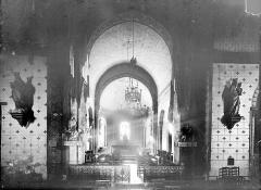 Eglise Saint-Hilaire - Vue intérieure de la croisée et du choeur