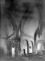 Eglise Saint-Hilaire - Vue intérieure du transept nord et du choeur