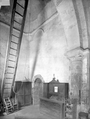 Eglise Saint-Pierre - Vue intérieure, au-dessous du clocher