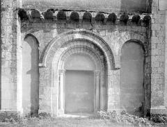 Eglise Saint-Saturnin - Portail de la façade nord