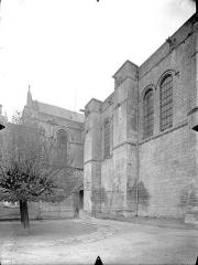 Cathédrale Saint-Pierre - Façade sud : Transept et partie est