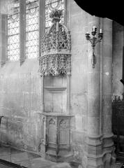 Ancien prieuré Saint-Martin d'Ambierle - Piscine du choeur