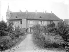 Abbaye de Charlieu - Logis : Façade sur le jardin