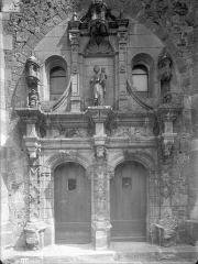 Eglise Saint-Etienne - Portail Renaissance
